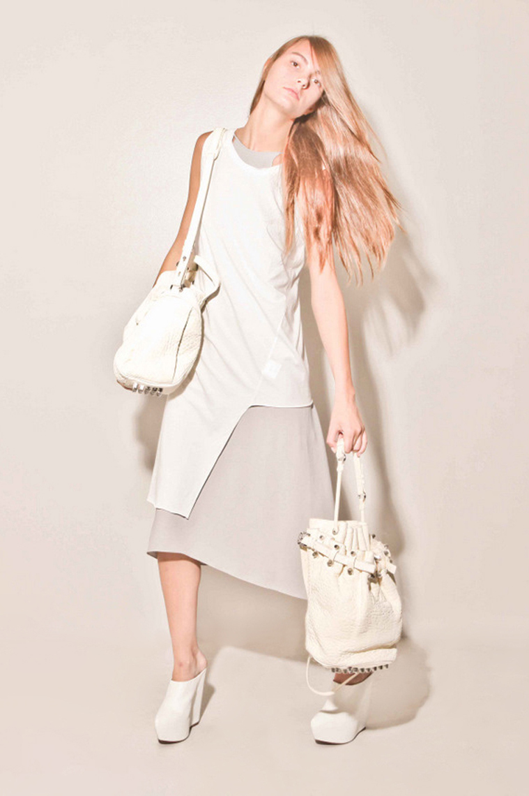8-oak-white-mini-editorial-1